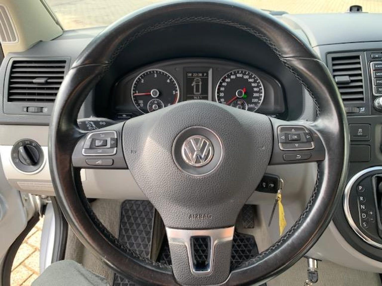Volkswagen-Camper-15